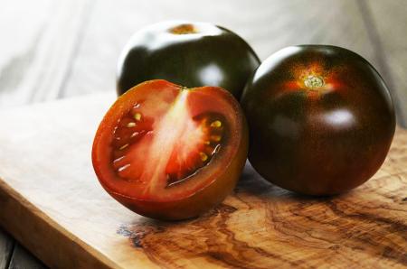 pomodoro-sunblack-a-grappolo